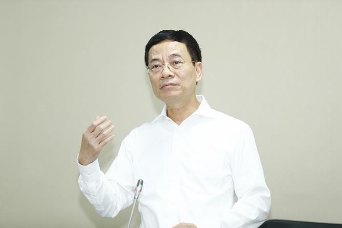 Bộ trưởng Bộ Thông tin và Truyền thông Nguyễn Mạnh Hùng phát biểu tại buổi làm việc. Ảnh: N.Tuấn